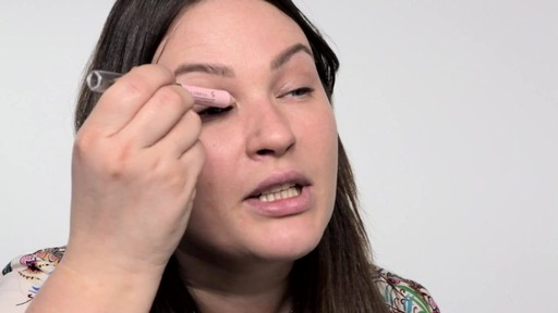Cassie Lomas Defined Eyebrows - Beauty  - image 9 from the video