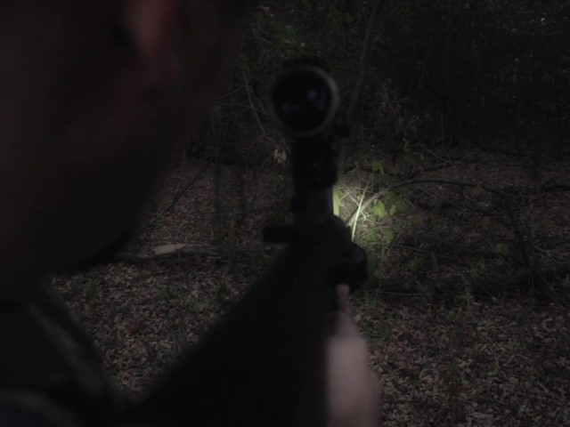 HQ ISSUE 820-lumen Extreme Tactical Light - image 7 from the video