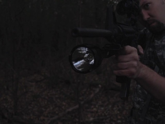 HQ ISSUE 820-lumen Extreme Tactical Light - image 8 from the video
