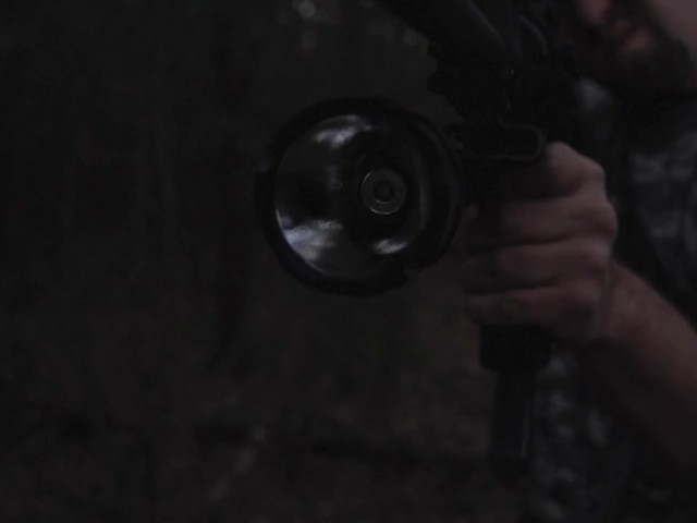 HQ ISSUE 820-lumen Extreme Tactical Light - image 9 from the video