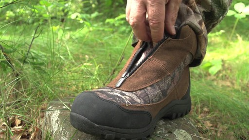 Guide Gear Men's Silvercliff Insulated Boots Waterproof Thinsulate 400 Gram - image 2 from the video