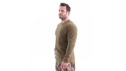 Guide Gear Men's Heavyweight Fleece Base Layer Top 360 View - image 9 from the video