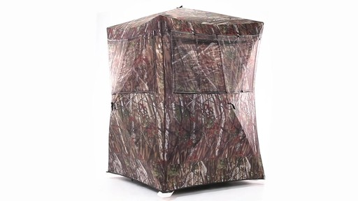 Guide Gear Oversized Ground Hunting Blind 360 View - image 2 from the video