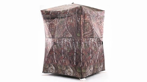 Guide Gear Oversized Ground Hunting Blind 360 View - image 4 from the video