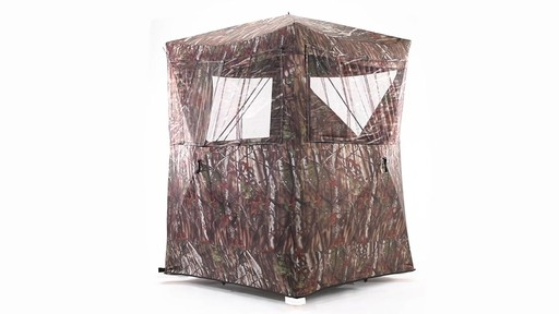 Guide Gear Oversized Ground Hunting Blind 360 View - image 7 from the video