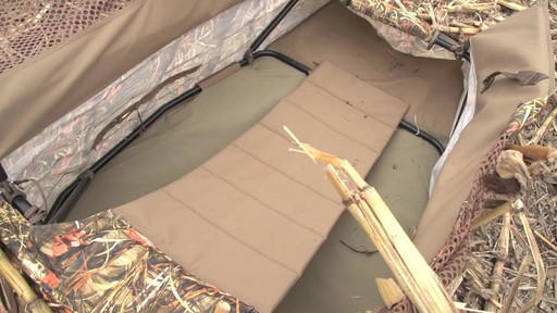 Guide Gear Deluxe Waterfowl Camo Hunting Blind Mossy Oak Blades - image 3 from the video