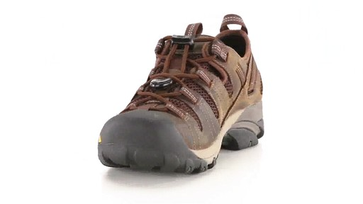 KEEN Utility Men's Atlanta Cool ESD Soft Toe Work Shoes 360 View - image 3 from the video