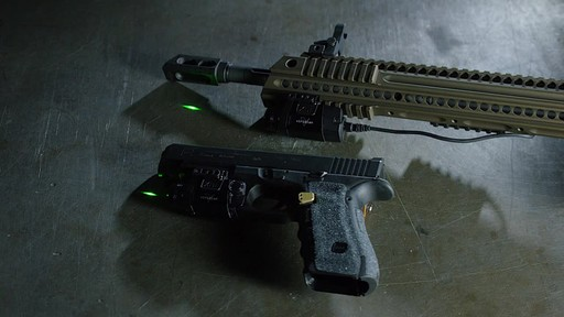 UM GREEN LASER/LIGHT MAGPUL FD - image 9 from the video