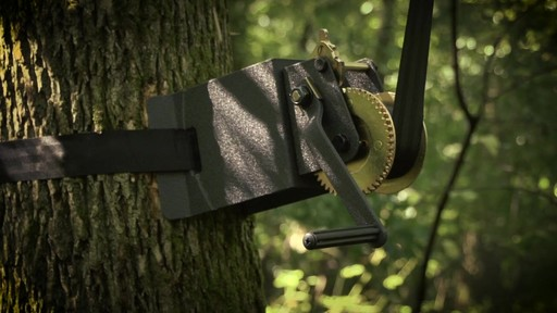 Guide Gear Ladder Tree Stand Installation Hoist System - image 1 from the video