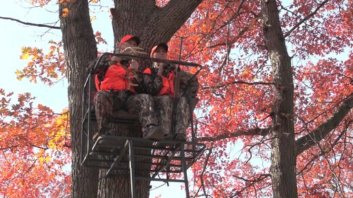 Guide Gear 17 1/2' Deluxe 2 Man Hunting Ladder Tree Stand - image 3 from the video