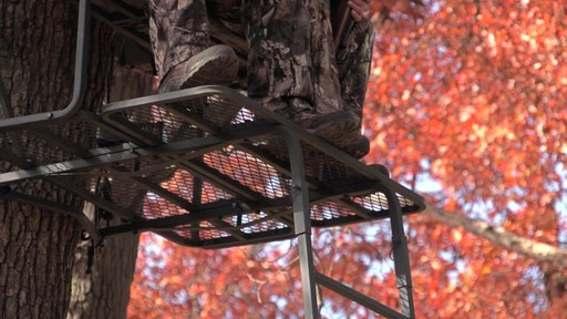 Guide Gear 17 1/2' Deluxe 2 Man Hunting Ladder Tree Stand - image 6 from the video