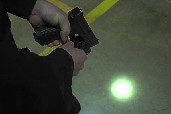 BEAMSHOT GB9000 Green Laser-Light Combo - image 7 from the video