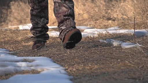 Guide Gear Men's Insulated Hunting Boots Waterproof Thinsulate 400 gram - image 4 from the video
