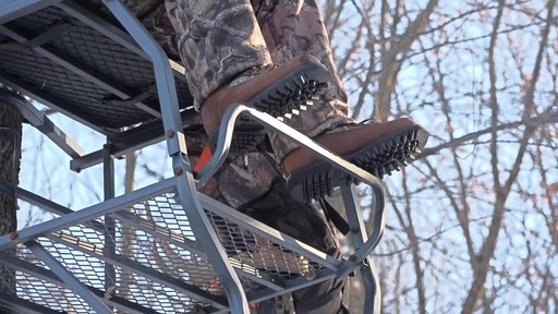 Guide Gear Men's Insulated Hunting Boots Waterproof Thinsulate 400 gram - image 6 from the video