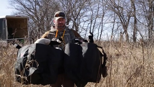 Avian-X AXP Outfitter Lesser Decoys 12 pack - image 9 from the video