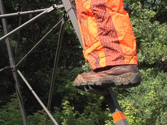 Guide Gear® 14' Ultra Deluxe Tripod Stand - image 3 from the video