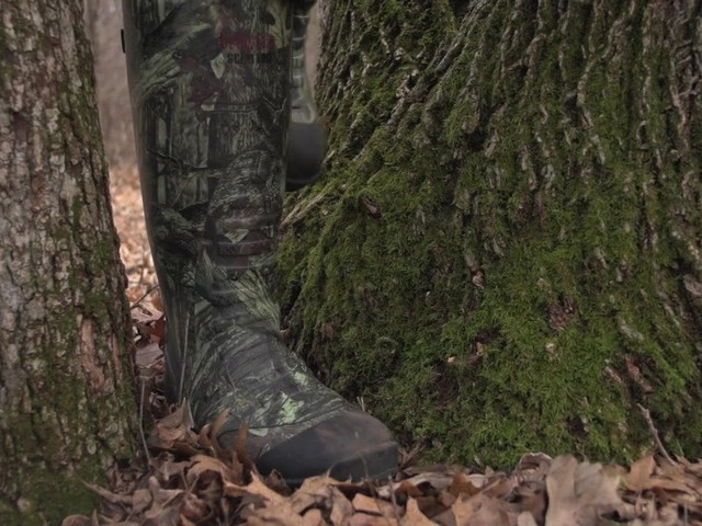 Men's Guide Gear® 800 gram Thinsulate™ Ultra Insulation Rubber / Neoprene Universal Hunting Boots Mossy Oak Infinity® - image 4 from the video
