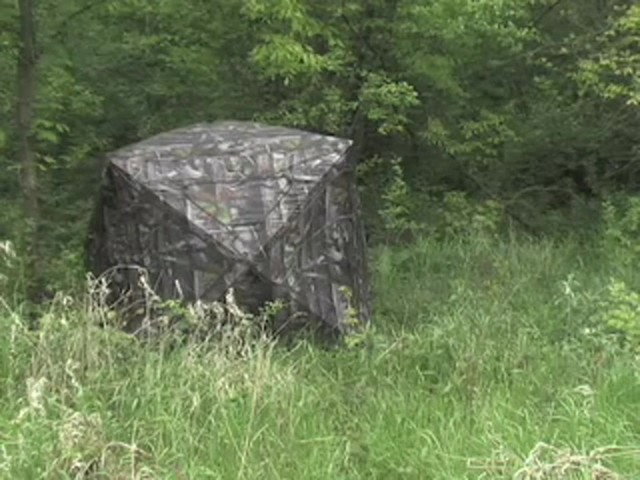 True Timber® Deluxe 5 - hub Ground Blind - image 1 from the video