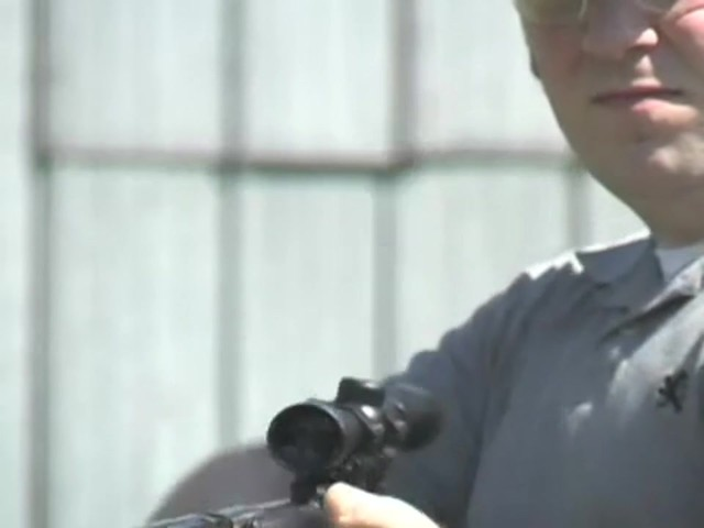 Venom Nitro - Piston™ .177 - cal. Air Rifle with 4x32 mm Scope - image 4 from the video