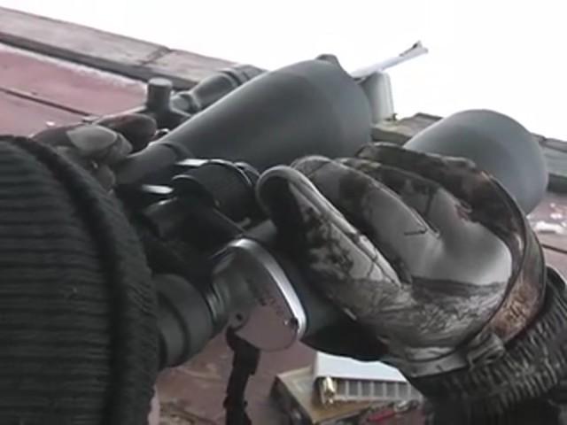 Securix™ 20 - 144x70 mm Mega Zoom Binoculars - image 2 from the video