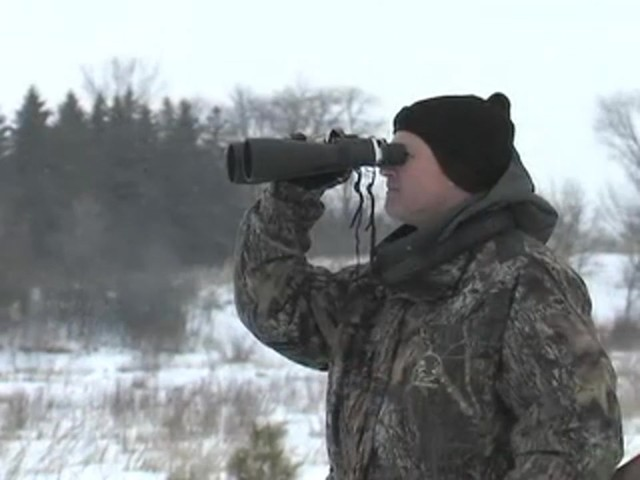 Securix™ 20 - 144x70 mm Mega Zoom Binoculars - image 5 from the video