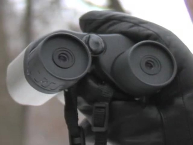 Securix™ 20 - 140x30 mm Mega Zoom Binoculars - image 9 from the video