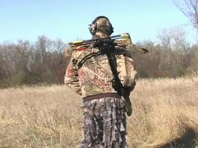 United® 175 - lb. Compound Crossbow Kit - image 2 from the video
