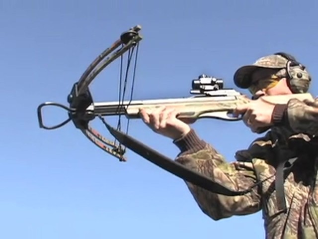United® 175 - lb. Compound Crossbow Kit - image 5 from the video