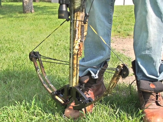 Ten Point Titan Xtreme Crossbow Kit - image 4 from the video