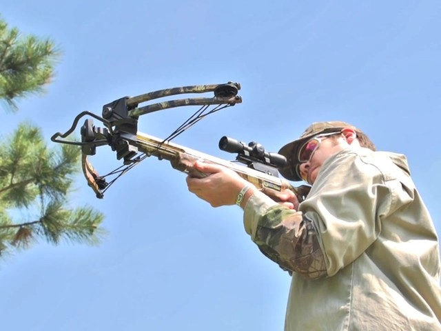 Ten Point Titan Xtreme Crossbow Kit - image 7 from the video