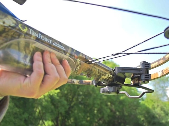 Ten Point Titan Xtreme Crossbow Kit - image 8 from the video