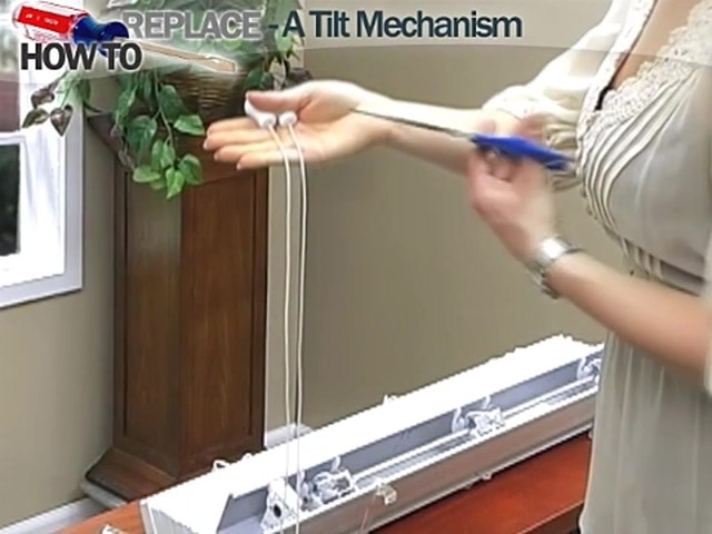 How to Fix Blinds: Replace a Tilt Mechanism - Blinds.com DIY - image 4 from the video