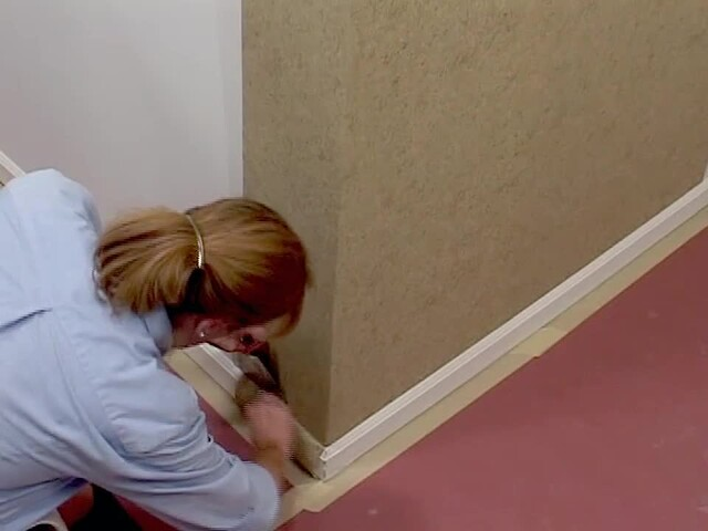 Wallpaper installation outside corner hanging american - Wallpapering around a curved corner ...