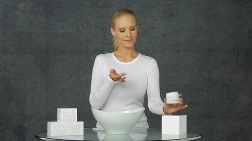 EVE LOM The Cleanser - image 3 from the video