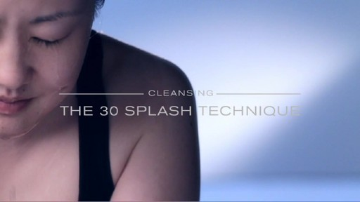 Erno Laszlo Ritual | Step 1: Cleanse - image 5 from the video