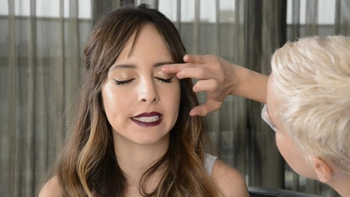 Daring Dark Lip and Eyes with Lilliana & Romy - image 5 from the video