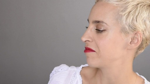 Daring Dark Lip and Eyes with Lilliana & Romy - image 8 from the video