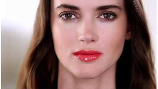 [Smashbox] 3 Be Legendary Lip Looks - image 7 from the video