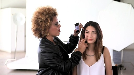 Smashbox Pore Minimizing Primer - image 7 from the video