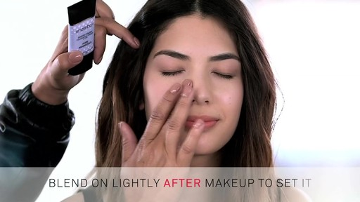 Smashbox Pore Minimizing Primer - image 8 from the video