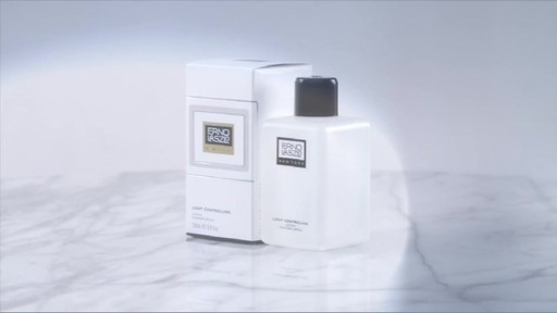 Erno Laszlo Ritual | Step 2: Tone - image 2 from the video