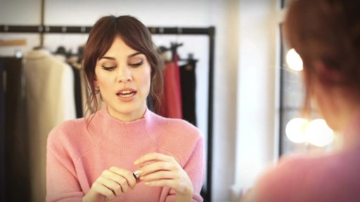 [Eyeko] Alexa Chung Cat Eye Tutorial - image 6 from the video