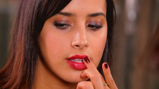 Romy's Tips: Cranberry Lips - image 6 from the video