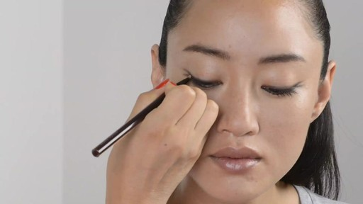 Soft Double Winged Eyeliner Look - image 6 from the video