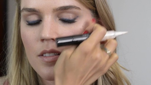 Romy's Tips: Navy Eyeliner - image 7 from the video