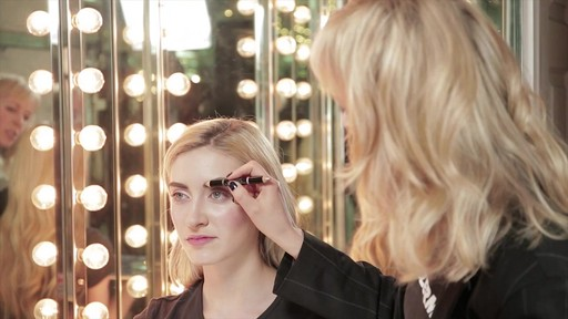 Bold, beautiful brows with Tweezerman tools - image 7 from the video