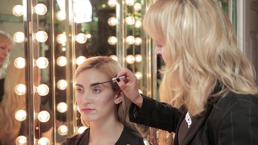 Bold, beautiful brows with Tweezerman tools - image 9 from the video