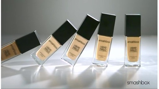 Smashbox Santigolden Makeup Look #1 - image 4 from the video
