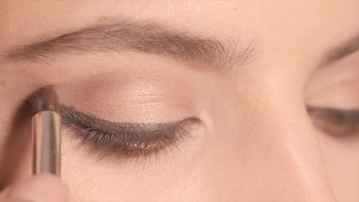 NARS Artistry Sessions : NARS Eyeliner Stylo Iconic Look - image 6 from the video