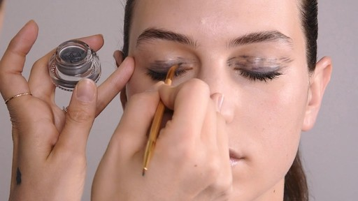 How To: Painterly Eye Runway Look - image 6 from the video